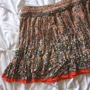 💥 3/$25 American Eagle Floral Pleated Skirt Sz 6